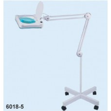 Magnifier lamp 3D (LED) su un treppiede